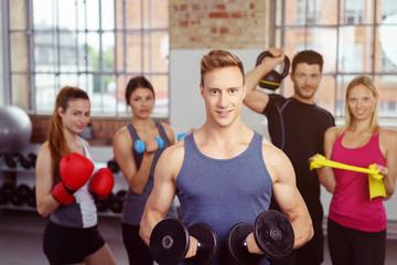 krafttraining im fitness-club