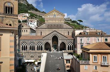 Facciata Duomo di S. Andrea. Costiera Amalfitana, Italia