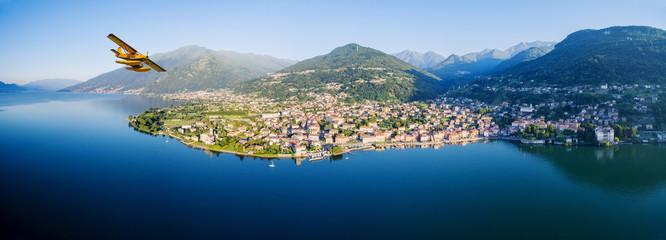 Idrovolante in volo su Gravedona - Lago di Como (IT)