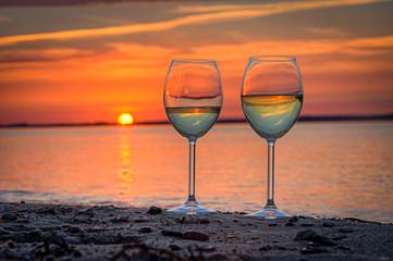 Fototapete - Strandbild Weinglas