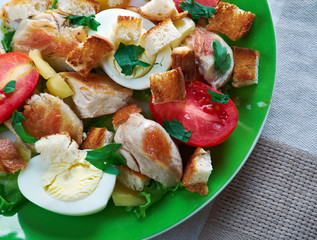 chicken ensalada cezar