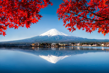 Wall Mural - Berg Fuji in Japan im Herbst