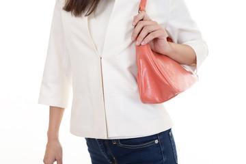 バッグを持った女性