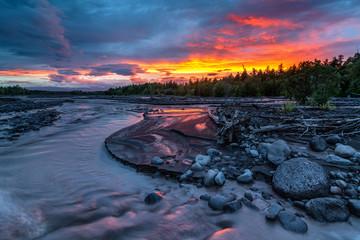 Sunset at the Studenaya mountain river, near the Tolbachik volcano, Kamchatka, Russia Fototapete