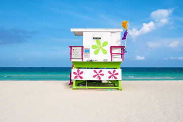 Wall Mural - Colorful lifeguard tower on a sunny day in South Beach