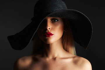 Beautiful woman in hat. fashion beauty girl