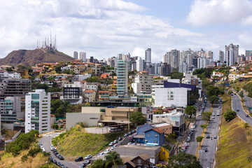 Vista da avenida Raja Gabaglia no Buritis, em Belo Horizonte, Minas Gerais, Brasil