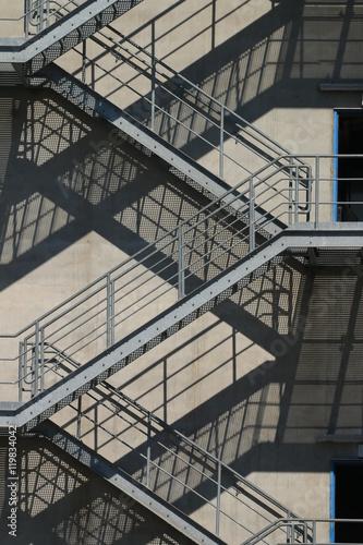 fluchtweg fluchttreppe aussentreppe stockfotos und lizenzfreie bilder auf bild. Black Bedroom Furniture Sets. Home Design Ideas