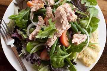 Nicoise salad with tuna topping