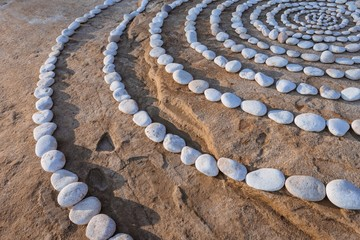 Rings of pebbles