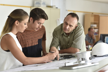 Young people in engineering training class