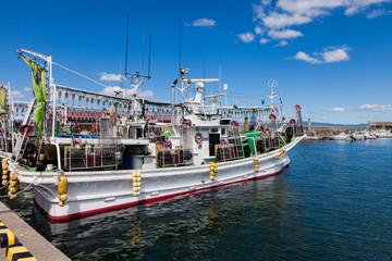 函館漁港のイカ釣り漁船