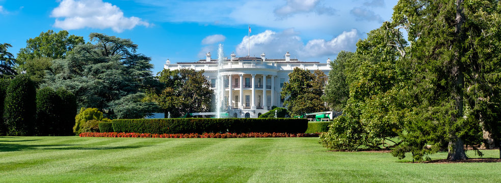 Panoramic view of the White House in Washington D.C.