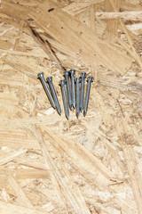 Schrauben auf Holzfaserplatte
