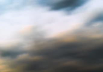 Breccia nel paradiso/La foto è stata scattata poco prima del tramonto, sfumando con il movimento della camera in modo da mescolare nuvole e cielo, dando la sensazione di un quadro.