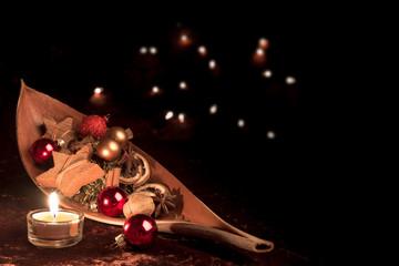 Weihnachtsdeko mit Kerze