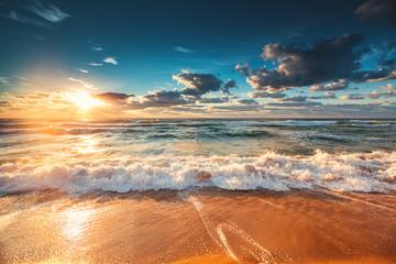 Fond de hotte en verre imprimé Bestsellers Beautiful sunrise over the sea