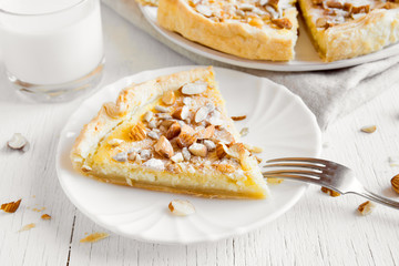 pie with nuts, seeds and mascarpone