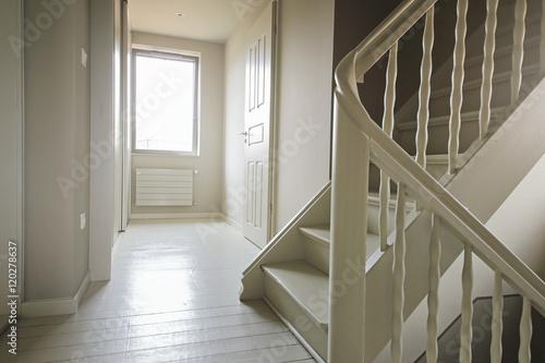Couloir tage chambres int rieur maison avec escalier - Couloir avec escalier ...