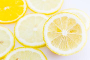 Rodajas de limón y naranja
