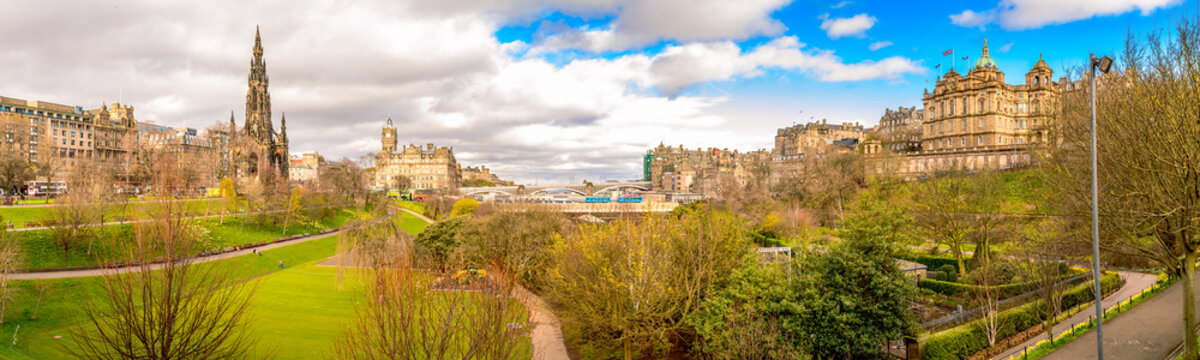 Panoramic view (panorama) of Edinburgh, Scotland, on a bright sunny day