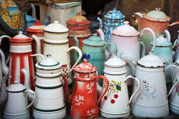 Alte Emaille Kaffekannen Sammlung –Cafetières vielles