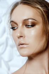pearlescent makeup