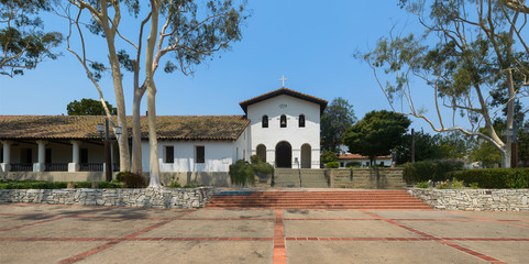Panoramic view of the outside of the Mission San Luis Obispo in California