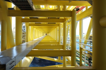Construction bridge, support for cable route tray and pipe line joint oil and gas platform