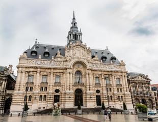 L'hôtel de ville de Roubaix et la Grand Place