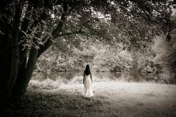 Fototapeta Woman in a white dress obraz