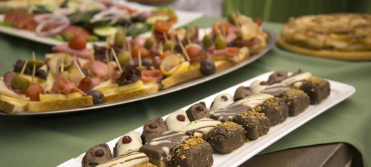 catering food for weddings or other events