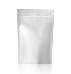 White blank sealed food pouch bag pack Vector template