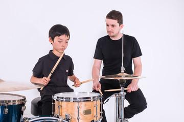 Il maestro e l'allievo. Lezioni di percussioni