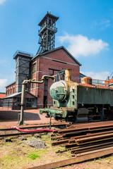 Bâtiments et train du centre historique minier de Leward