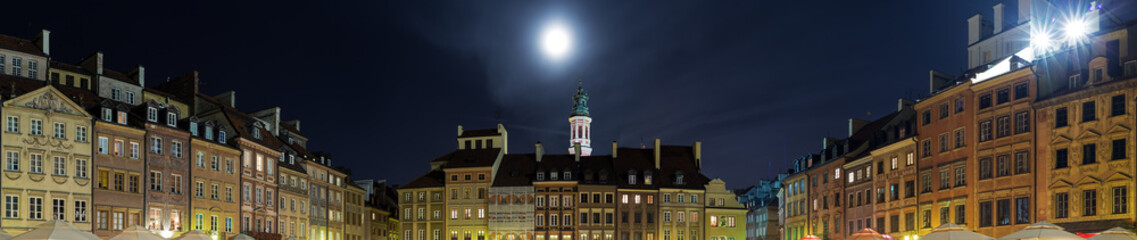 Old Town in Warsaw at night, panorama of the Old Town Square.