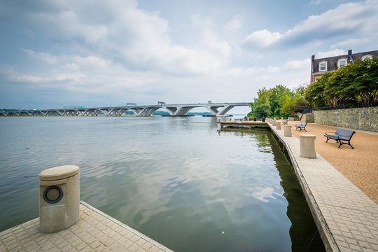 The Woodrow Wilson Bridge and Potomac River, in Alexandria, Virg