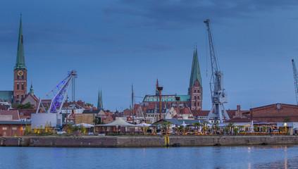 """Lübeck: Altstadt und Beachclub """"Strandsalon"""""""