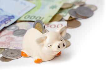 Sparschwein mit ausländischem Geld