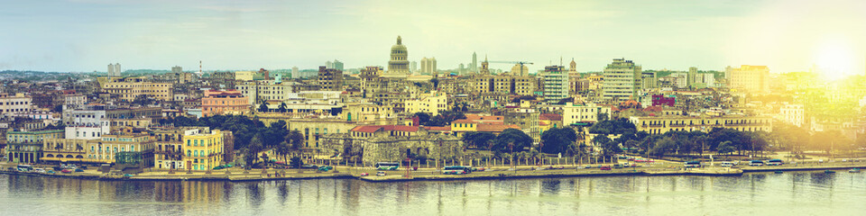 Printed kitchen splashbacks Havana Wide panorama over Havana in Cuba