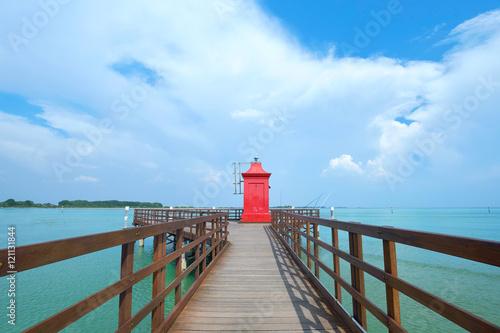Roter Leuchtturm Am Meer Lignano Sabbiadoro Strand Stock Photo