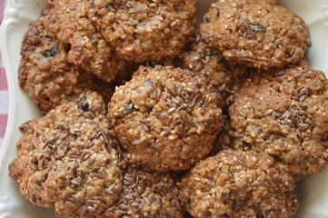 Homemade oatmeal cookies with linseed and nutella