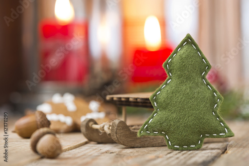 Weihnachtsdeko Lebkuchenmann.Tannenbaum Aus Filz Mit Weihnachtsdeko Stock Photo And Royalty Free