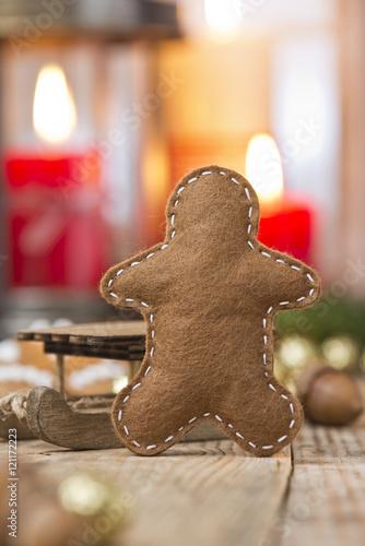 Weihnachtsdeko Lebkuchenmann.Lebkuchenmann Aus Filz Mit Weihnachtsdeko Stock Photo And Royalty