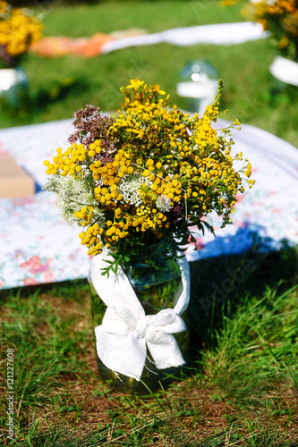 Bunch Of Wild Meadow Flowers As A Part Of Natural Wedding Ceremony Decoration Stockfotos Und