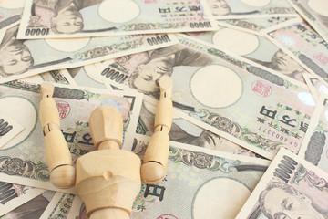 デッサン人形とお金