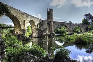 besalu bridge