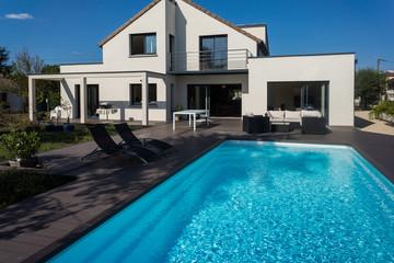 jolie villa avec piscine