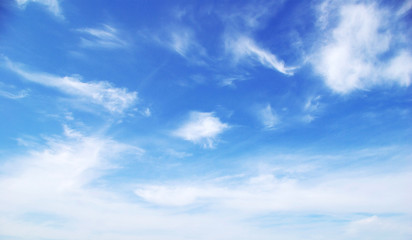 Poster de jardin Ciel Blue sky background with tiny clouds
