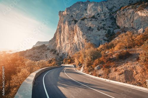 Beautiful Winding Mountain Roads Hot Girls Wallpaper